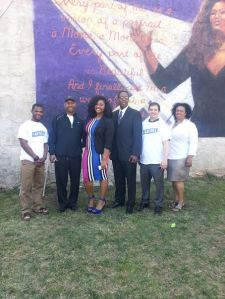 Jazmine Sullivan and crew at mural