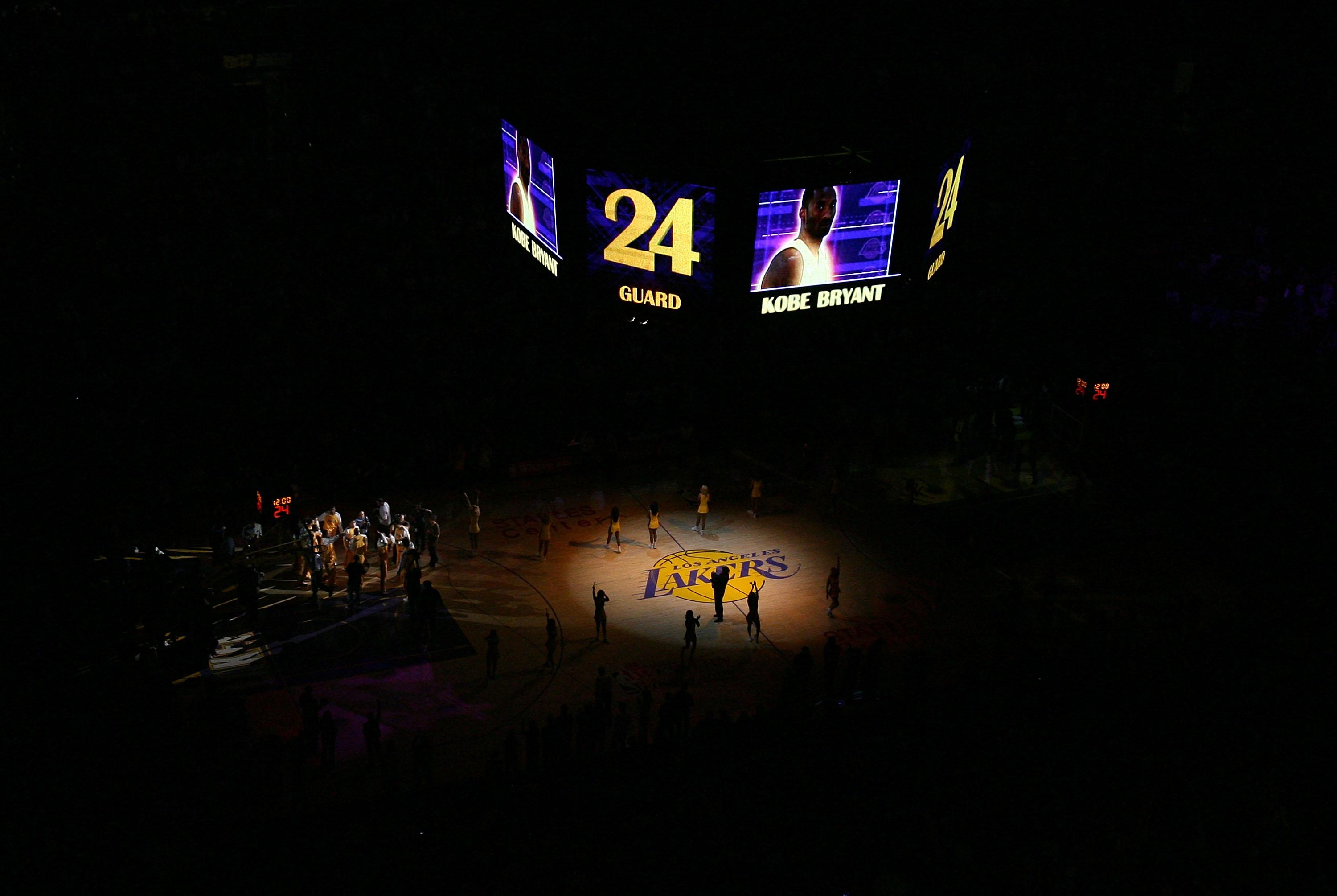 San Antonio Spurs v Los Angeles Lakers, Game 2