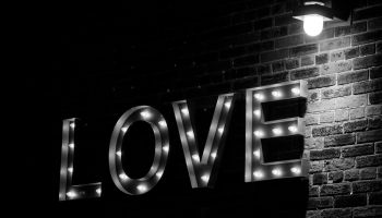 love bw in the wall