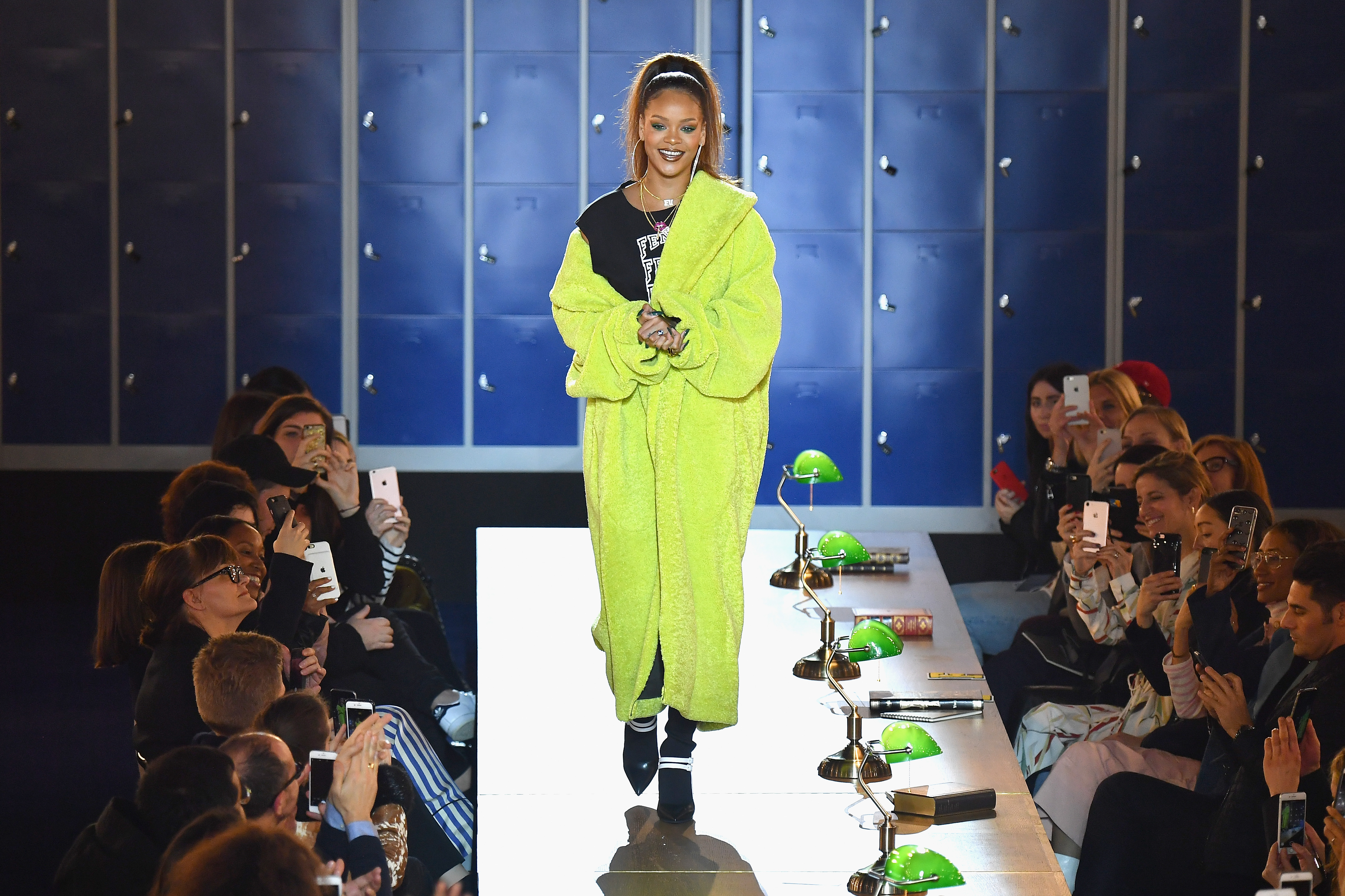 FENTY PUMA by Rihanna Fall / Winter 2017 Collection - RunwayronekvaughnFENTY PUMA by Rihanna Fall / Winter 2017 Collection - Runway