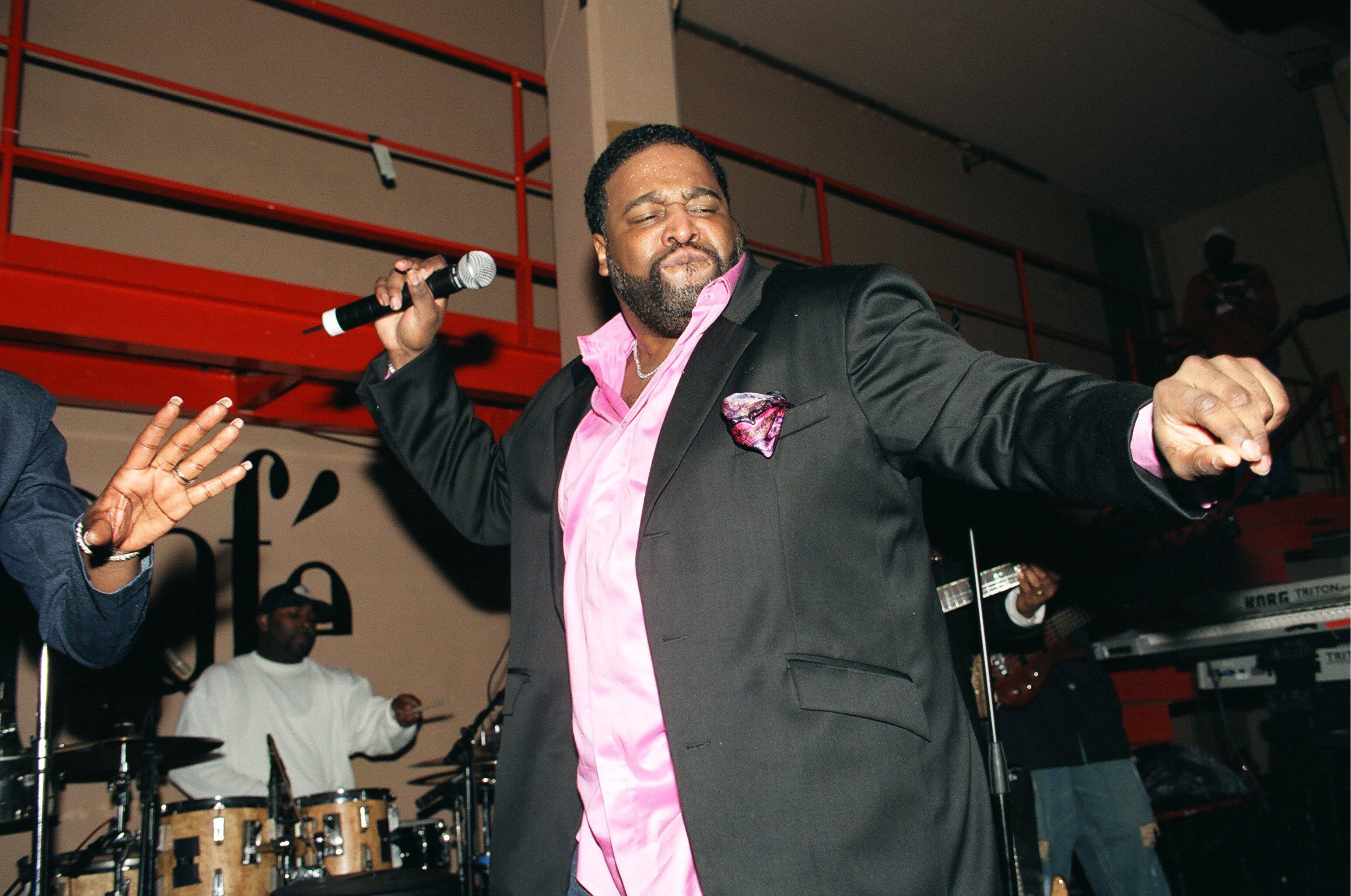 Photo of Gerald LEVERTdjbentrocPhoto of Gerald LEVERT