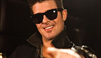 Robin Thicke Performs At The Key Club